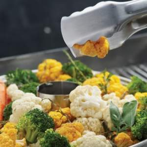Broil King-stojak do kurczaka do gotowania na parze
